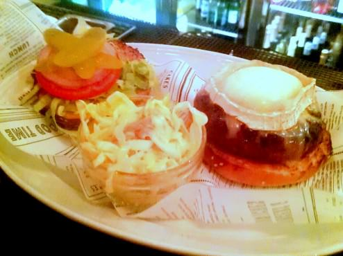 Chevre Chaud Burger with Saint Maure cheese (55 NIS).
