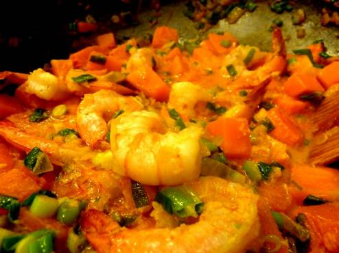 Shrimp green curry with pumpkin and green onion