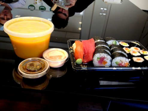 Business combinations: salmon and tuna + avocado maki salmon and tuna maki + cucumber, sweet potato and basil. Served with sweet potato ginger soup (55 NIS)