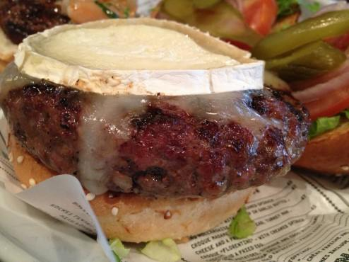 Chevre burger with a very nice melting chevre cheese on top, always a winning combination.