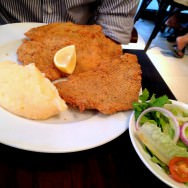 Veal Schnitzel with mashed potatoes and green salad (72 NIS).