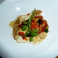 Spring artichoke with Blue Bavaria fondue, homemade pasta and tomatoes (58 NIS)