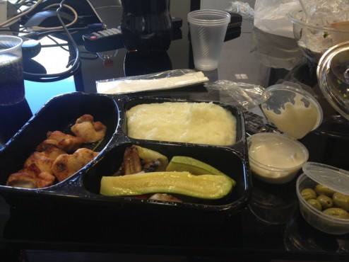 Chicken skewer, real mashed potatoes and grilled vegetables (mostly zucchini), some tahini and olives (32 ILS).