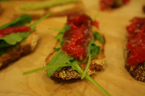 Little surprise between the dishes: bruschetta of guacamole, arugula and a home-made cured sirloin with four spices and fresh aromatic bergamot zest.